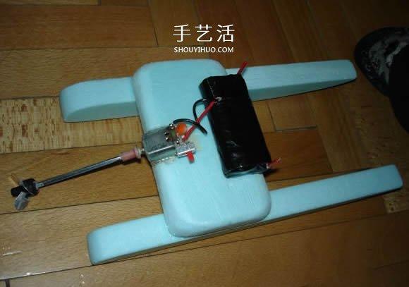 科技小制作:电动双体船