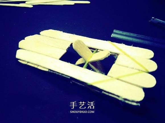 科技小制作:自制冰棍棒橡皮筋动力船