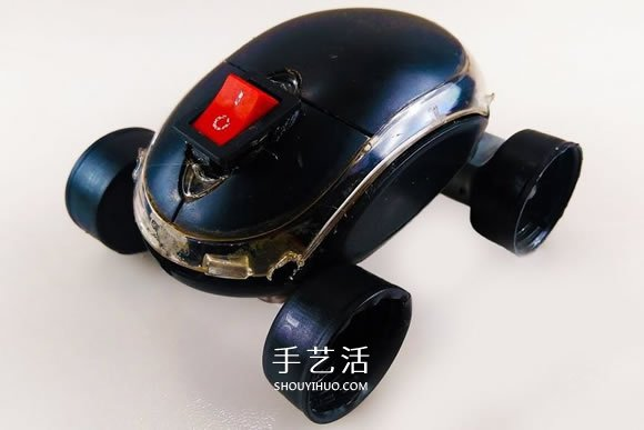 科技小制作:旧鼠标制作电动小车