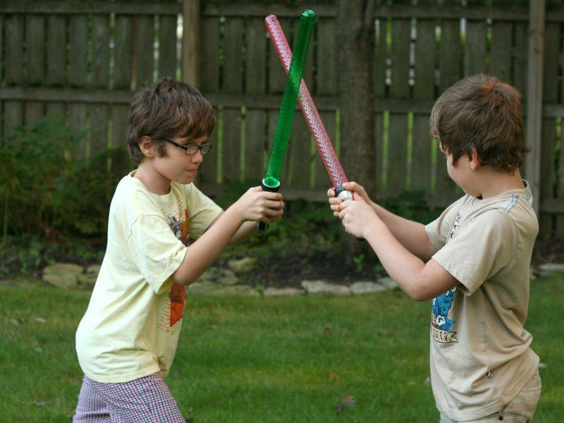 科技小制作:玩具光剑
